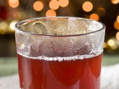 Sandra Lee's Hot Apple Cider Toddy  #ThanksgivingFeast #Thanksgiving #Cocktail