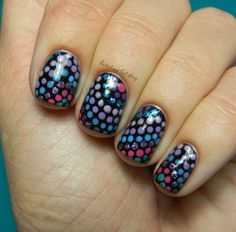 Wavy Itty-Bitty Dot Nails!