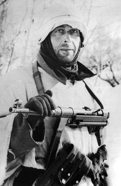 Freezing German - This photo was taken in early 1942  Cholm on the Eastern front, German army suffered heavy losses in the Russian winter due to a lack of appropriate winter clothing.