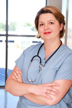 becoming a licensed practical nurse As a licensed practical nurse (and vocational nurse), you can earn up to $35,000 a year upon graduation, depending on where you're located and what type of.