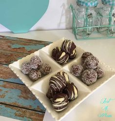 Chocolate Mint Truffles with just 2 ingredients. These are absolutely delicioius and so easy to make. Great gifts, and treats for the whole family. No Bake Treats, No Bake Desserts, Christmas Cooking, Mint Chocolate, Christmas Treats, Truffles, Fudge, Sweet Recipes, Good Food