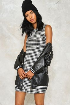 Or be square. The Be There Dress comes in gingham and features a square neckline, zip closure at back, mini, shift silhouette, and pockets at front.