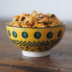 RECIPE: Carrot Currant Oatmeal by Ashley Neese