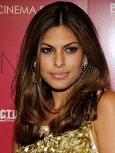 68 Layered Hairstyles & Cuts - Celebrities with Layered Haircuts - Good Housekeeping Celebrity Hairstyles, Cool Hairstyles, Beautiful Hairstyles, Hairstyles Haircuts, Eva Mendes Hair, Dull Hair, Long Layered Hair, Layered Haircuts, Hair Pictures