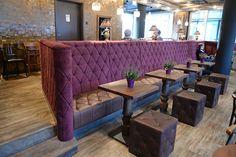 Viel Holz, Rautensteppung, Knopfheftung - wieder ein neu eingerichtetes Café meines Kunden Stuhlfabrik Schnieder