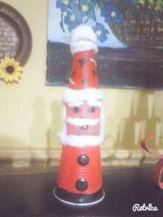 Babbo Natale con bottiglietta e bicchere