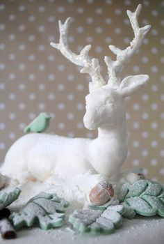 Sugarpaste reindeer by toriejayne, via Flickr