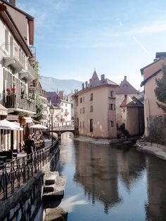 The Fairytale Town of Annecy, France – Best Travel images in 2019 Oh The Places You'll Go, Places To Travel, Travel Destinations, Places To Visit, Belle France, France 3, France City, Mykonos, Santorini