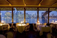 Dining with a romantic view of the Manhattan skyline at The River Cafe #NYC