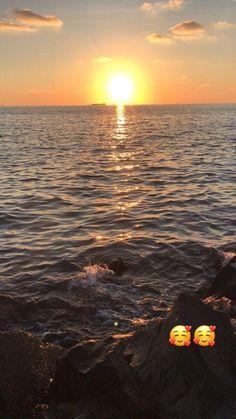 Tge sea and sun Sky Photos, Photos Tumblr, Beach Photos, Photography Pics, Summer Photography, Nature Photography, View Wallpaper, Sunset Wallpaper, Snapchat Picture
