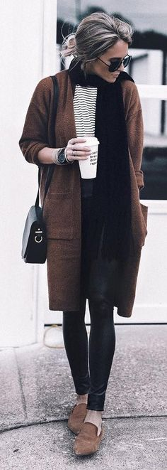 summer outfits Brown Coat / Striped Tee / Black Scarf / Black Skinny Jeans / Brown Loafers