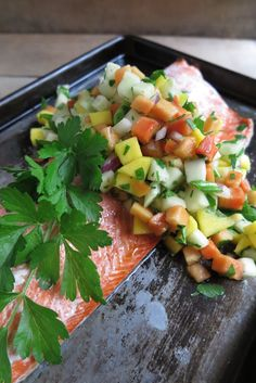 Oven Baked Salmon with Papaya-Mango Salsa Papaya Recipes, Fruit Recipes, Salmon Recipes, Clean Recipes, Fish Recipes, Seafood Recipes, Cooking Recipes, What's Cooking, Quick Recipes