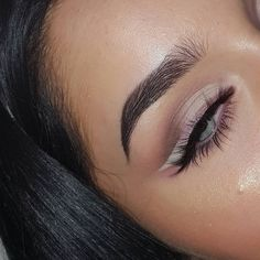 Pink Eyeshadow and Pink to White Ombré Eyeliner Pretty Makeup, Love Makeup, Makeup Inspo, Makeup Art, Makeup Inspiration, Beauty Makeup, Queen Makeup, Makeup Brands, Best Makeup Products