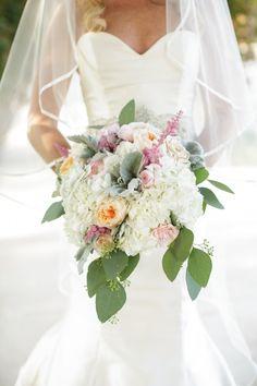 Pretty Set Up Flowers Wedding Flowers Florist Kansas City