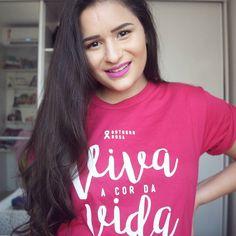 O @labamaralcosta me mandou essa camiseta lindinha pra divulgar a campanha de outubro rosa deles. Queria compartilhar com vocês só pra lembrar todo mundo de cuidar da saúde (não só em outubro mas em todos os meses do ano!) De resto vcs já sabem ne? Temos que fazer nossos exames regularmente migas!  #vivaacordavida #outubrorosa  Ah meu batom é o meia ponta da @dailuscolor