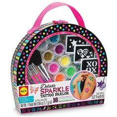 Look like a star with the Deluxe Sparkle Tattoo Parlor!  The polka-dot case has everything you need to create cool glittery temporary tattoo...