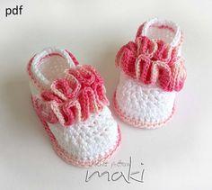 Crochet pattern baby booties Baby booties wavy by MakiCrochet, $4.00