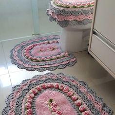 Tapete de crochê com flores: 86 fotos e como fazer essa peça charmosa Afghan Patterns, Crochet Blanket Patterns, Baby Blanket Crochet, Diy Crochet, Crochet Doilies, Crochet Carpet, Storage Design, Cool Diy Projects, Handmade Rugs
