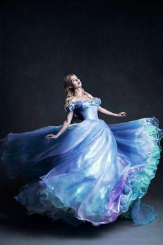 I dream of having a dress like this.