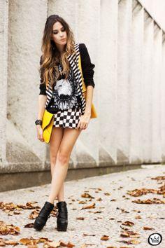 http://fashioncoolture.com.br/2013/11/16/look-du-jour-ny-taxi/