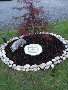 Unique Garden Decor Ideas That Will Impress Your Family and Friends - Pet Memorials & Pet Memorial Gifts Unique Garden Decor, Unique Gardens, Garden Ideas, Garden Tips, Souvenir Animal, Dog Memorial Stone, Pet Loss Grief, Yorshire Terrier, Pet Cemetery