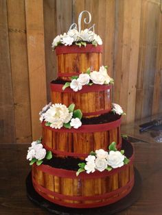 Fantastic wooden crate cake by Frosted Art