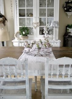 Cute chairs with farmhouse table