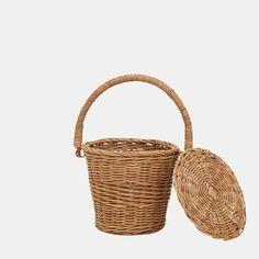 Apple Baskets, Book Baskets, Large Baskets, Woven Baskets, Basket Weaving, Hand Weaving, Fruit Picking, Belly Basket, Rattan Basket