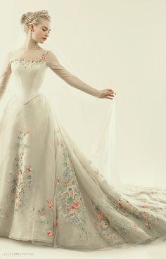 cinderella wedding dress dresses disney lily james Likes Cinderella Movie, Cinderella Wedding, Cinderella Dresses, Ball Dresses, Ball Gowns, Prom Dresses, Pretty Dresses, Beautiful Dresses, Robes Disney