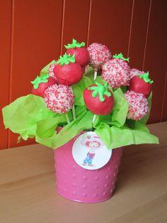 Strawberry Shortcake baby shower cake pops