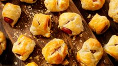 17 Canned Biscuit Appetizer Recipes That Feel Like Hacks, but Taste Like Heaven: Biscuits from heaven Bacon Cheese Dips, Cheese Appetizers, Appetizers For Party, Appetizer Recipes, Canned Biscuits, Buttermilk Biscuits, Italian Sausage Recipes, Crescent Roll Recipes, Tasty
