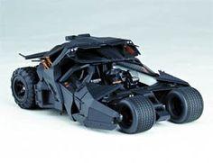 Sci-Fi Revoltech #043 Dark Knight Rises Tumbler Vehicle