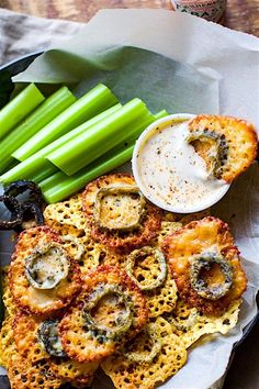 Easy Baked Jalapeño Cheese Crisps | 23 Delicious Vegetarian Recipes With 5 Ingredients Or Less