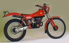 Motos Trial, Trial Bike, Trials, Cars And Motorcycles, Honda, Nostalgia, Adventure, Vintage Motorcycles, Old Bikes