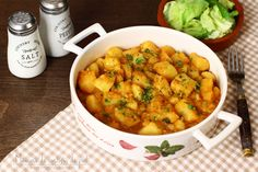 Mâncare de cartofi, rețetă culinară. - Laura Laurentiu Vegan Vegetarian, Vegetarian Recipes, Romanian Food, Always Hungry, Yummy Appetizers, Desert Recipes, Chana Masala, Vegetable Recipes, Slow Cooker Recipes