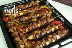 Lunch Recipes, Salad Recipes, Dessert Recipes, Cooking Recipes, Seekh Kebab Recipes, Turkish Recipes, Wrap Sandwiches, Bon Appetit, Sausage