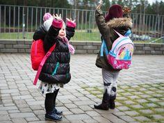 Little girls http://butimahumannotasandwich.indiedays.com/2014/12/14/viikonloppureissussa/
