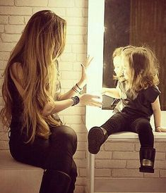 Image shared by ℋ ℴ ℘ ℯ l ℯ હ હ. Find images and videos about girl, love and fashion on We Heart It - the app to get lost in what you love. Mother Daughter Fashion, Mothers Love, Mom Style, Make You Smile, Cute Kids, Long Hair Styles, Beautiful, Beauty, Instagram