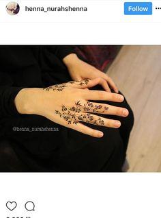 Henna Tattoo Designs Simple, Finger Henna Designs, Beginner Henna Designs, Arabic Henna Designs, Mehndi Designs For Girls, Modern Mehndi Designs, Mehndi Design Pictures, Mehndi Designs For Fingers, Beautiful Henna Designs