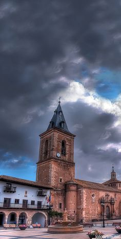 Tarazona de la Mancha, Albacete, Spain Villas, Best Travel Deals, Tourist Information, Spain And Portugal, Spain Travel, Travel Guides, Barcelona Cathedral, Big Ben, Travel Photos