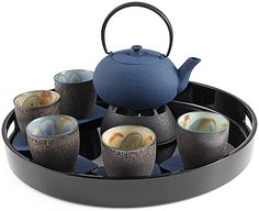 Cast Iron Teapots: Japanese cast iron teapots with infusers