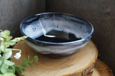 Pottery bowl - ceramic bowl - black bowl - white bowl - fruit bowl - salad bowl - handmade bowl - soup bowl - cereal bowl - pasta bowl This gorgeous bowl has a glossy black base glaze which is the perfect backdrop for the waves of white glaze running t. Stoneware Clay, Ceramic Bowls, Handmade Ceramic, Handmade Pottery, Black Bowl, Metallic Luster, Pottery Bowls, Cereal Bowls, Animals Of The World