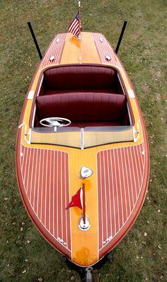 Classic Boats - 18' Chris-Craft Riviera