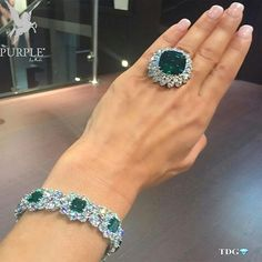 Check this another addition to you fashion this 22 carat Columbian emerald www.utelier.com
