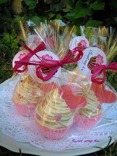 Cupcake de jabon de fresa y nata