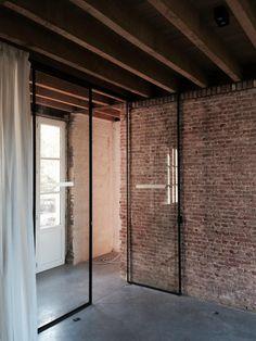 Steel window frame - restoration remise www.vanraemdonckmichiel.be                                                                                                                                                      Más