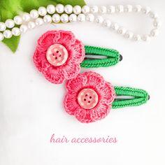 ピンクのレース糸で お花をかぎ編みをした、キッズ*子供用[ヘアピン]ヘアアクセサリーのセットです。ピンクを2つで 1セットになります。レース糸の発色がキレイで、 明るくも 落ち着きのある ピンク色かと 思います。ヘアピンは 5㎝を使用し、全体の長さは 約... Minne, Crochet Necklace, Hair Accessories, Jewelry, Fashion, Moda, Jewlery, Jewerly, Fashion Styles