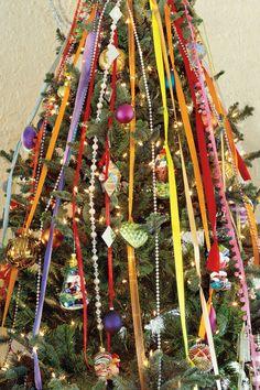 Christmas Decorating Ideas: Tree Ribbons