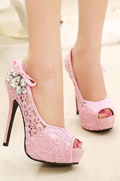 NEW European Brand Ladies Sexy Rhinestone Lace Wedding Shoes High Heels Platform Pumps for women sapatos femininos Pretty Shoes, Beautiful Shoes, Cute Shoes, Me Too Shoes, Awesome Shoes, Gorgeous Heels, Beautiful Life, Dream Shoes, Crazy Shoes