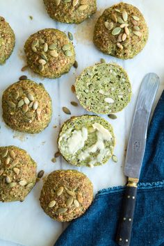 Broccoli buns - healthy buns with broccoli A Food, Good Food, Food And Drink, Broccoli, Quick Bread, Bread Baking, Lchf, Healthy Recipes, Healthy Food